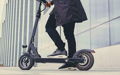 Benyt et elektrisk løbehjul for at komme rundt omkring